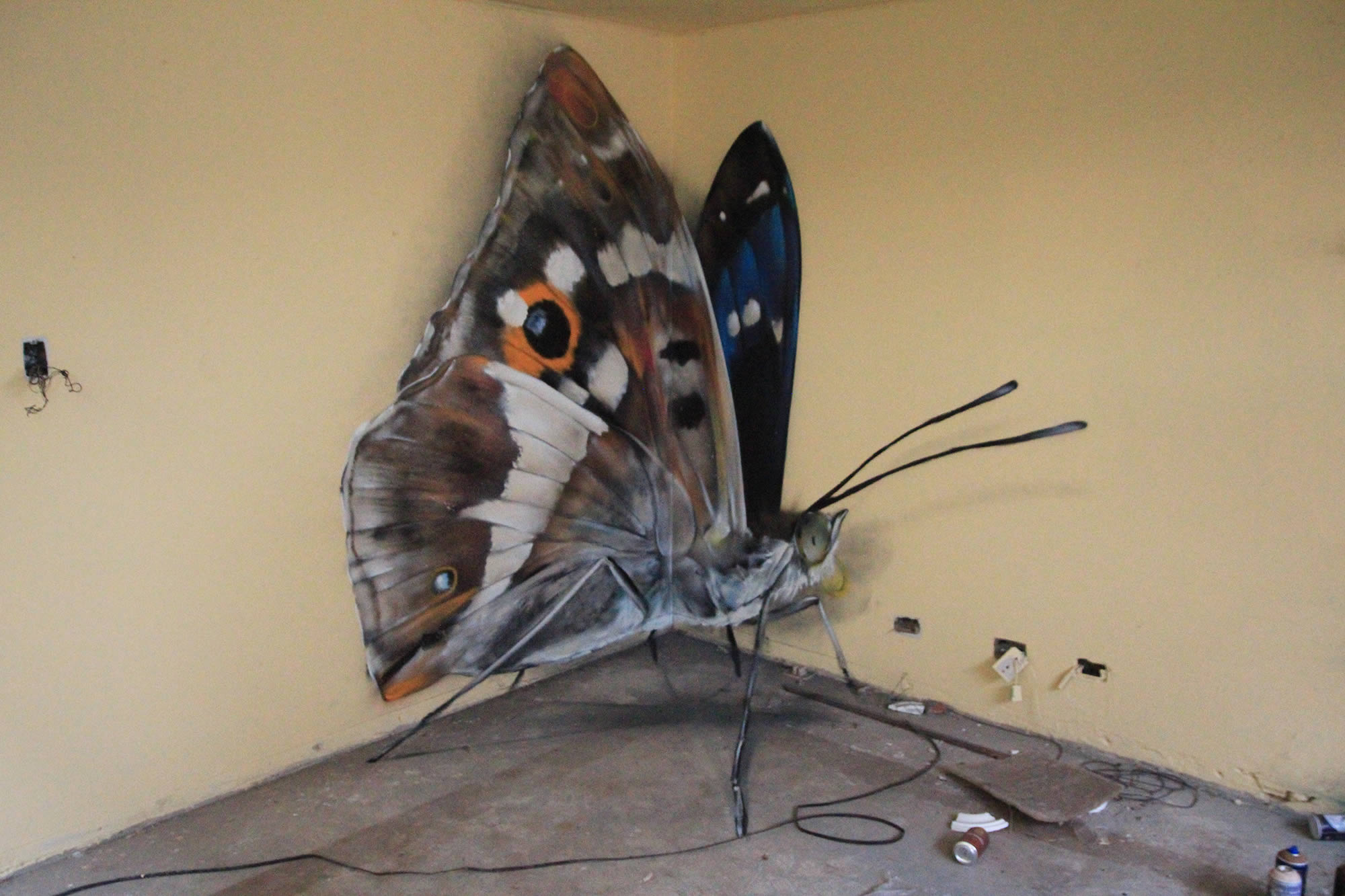 3D Insects and Giant Birds: The Graffiti Art of Mantra