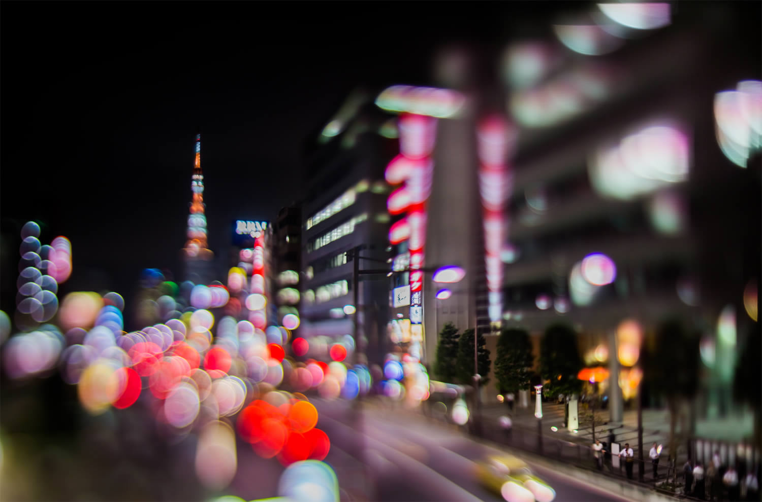 tokyo tower and red lights, bokeh photography, japan, by Takashi Kitajima