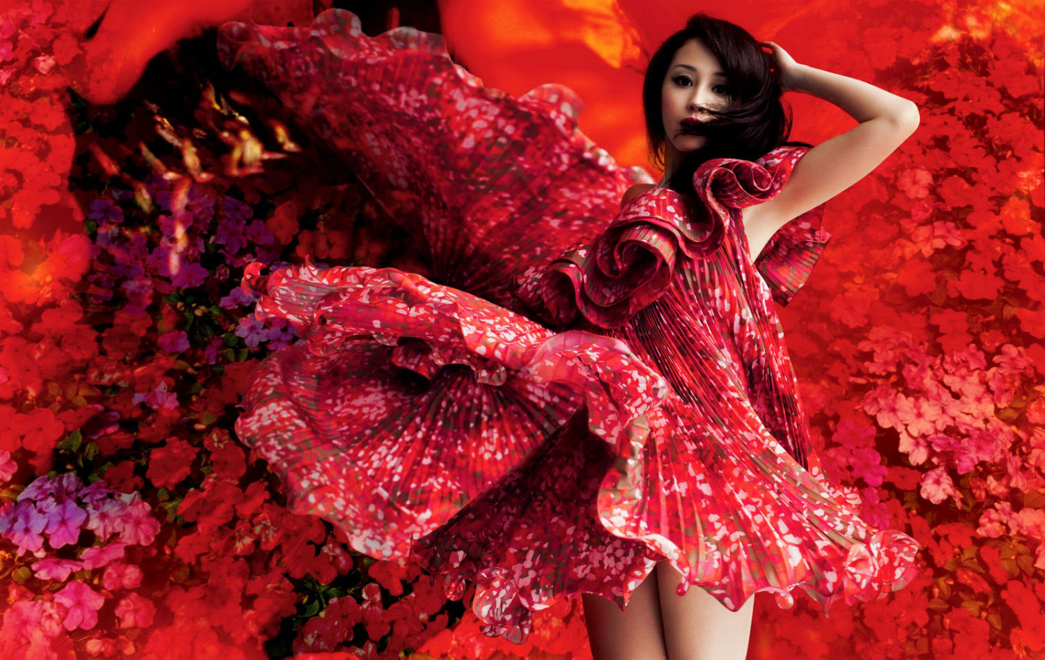 Mika Ninagawa japan photography fashion flowers