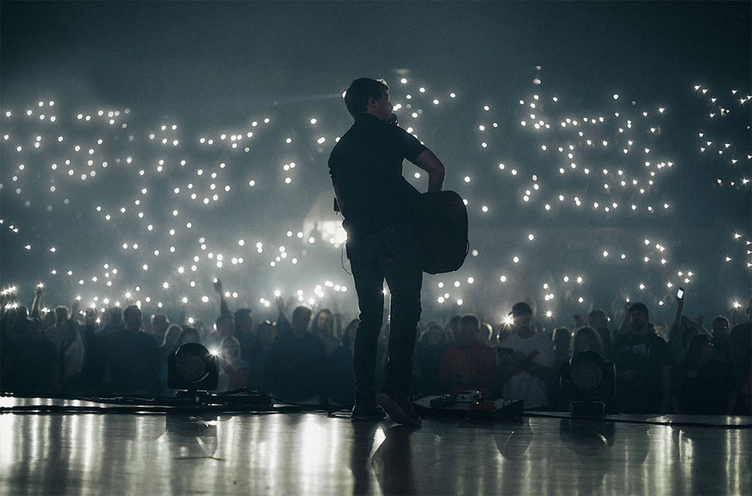 guy with guitar, music concert