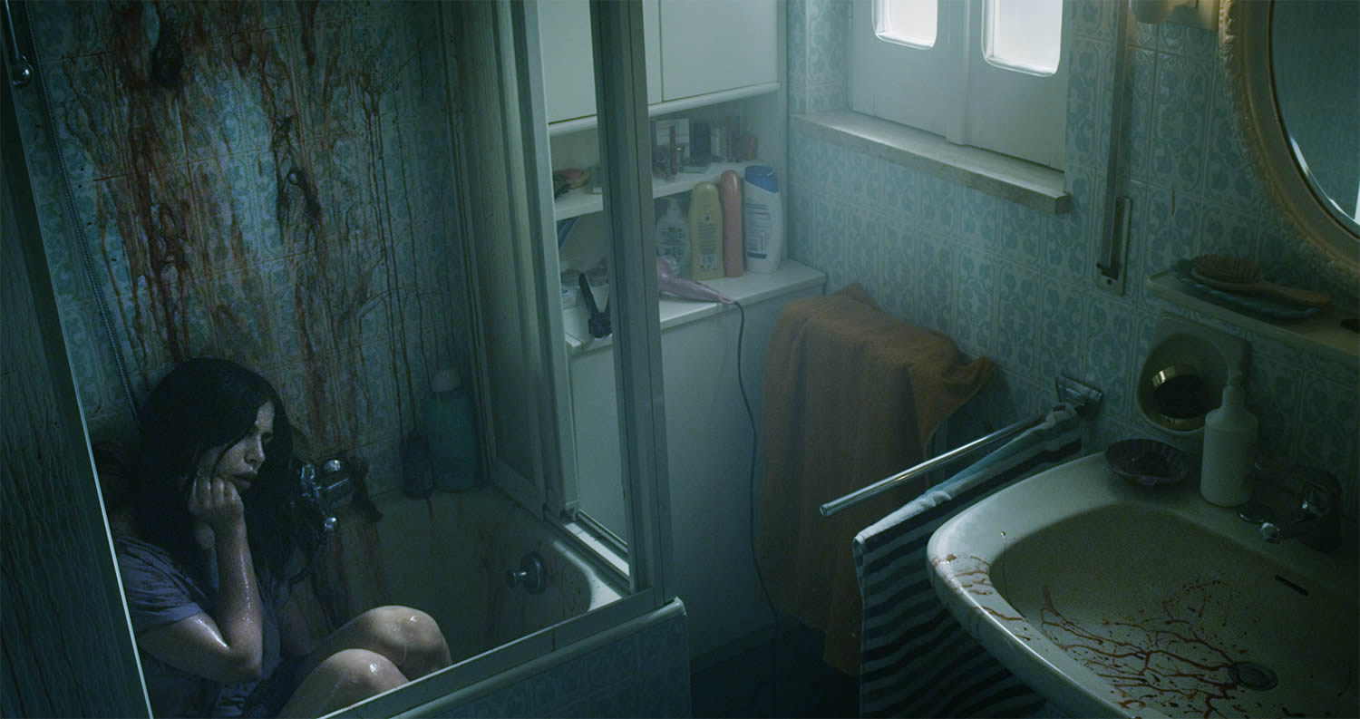horror movie spring 2015, girl in bathtub