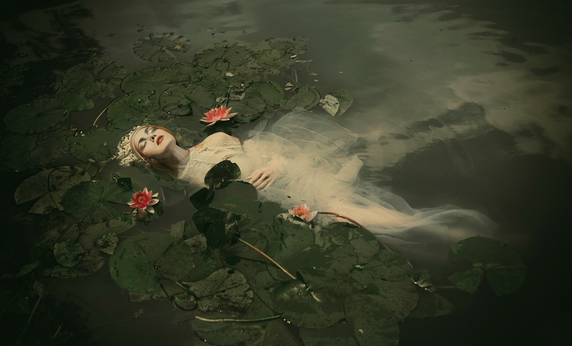dorota gorecka dreamy photography ophelia water model