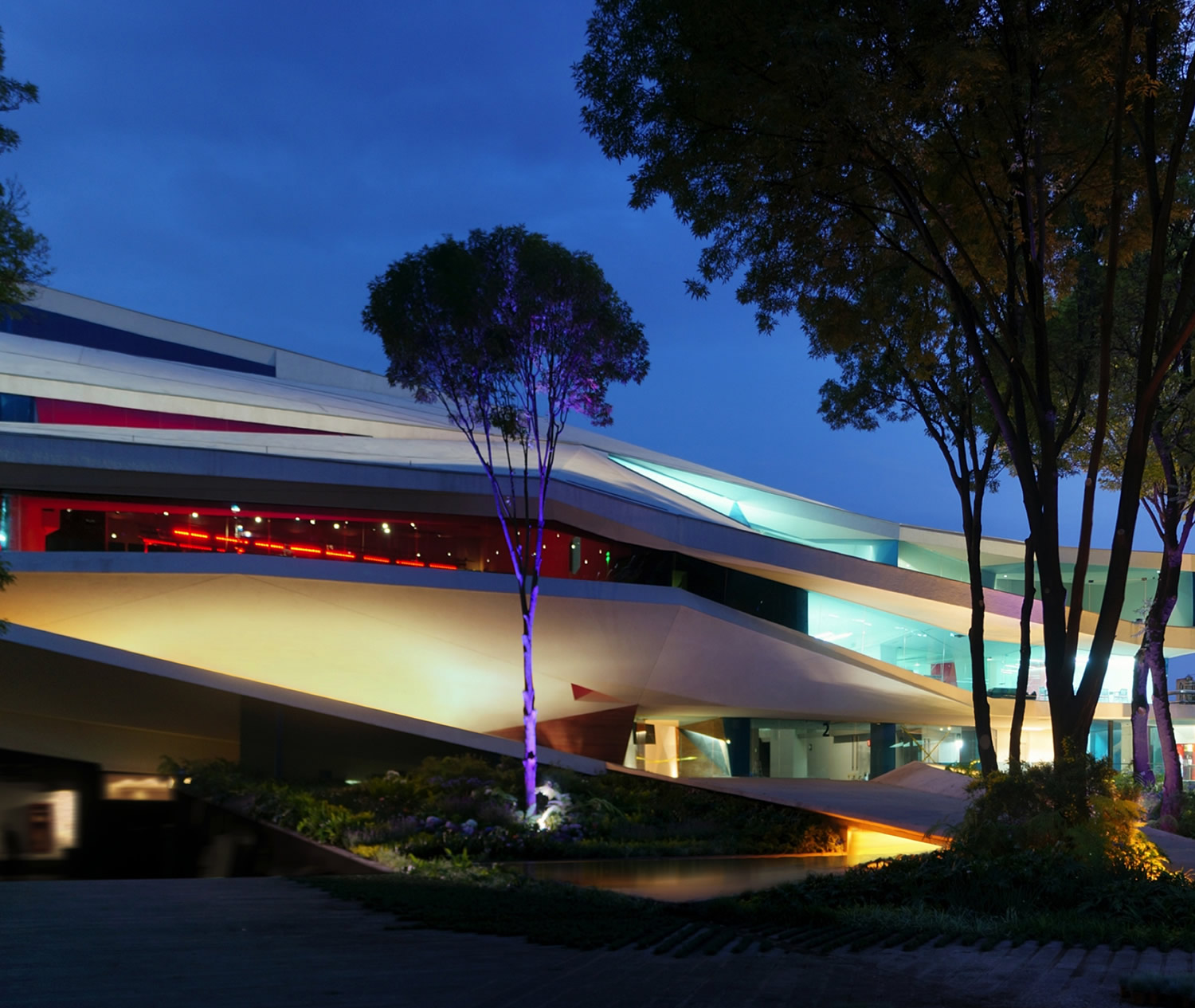 """Centro Cultural Roberto Cantoral"" by Gerardo Broissin, architectural lighting at night"