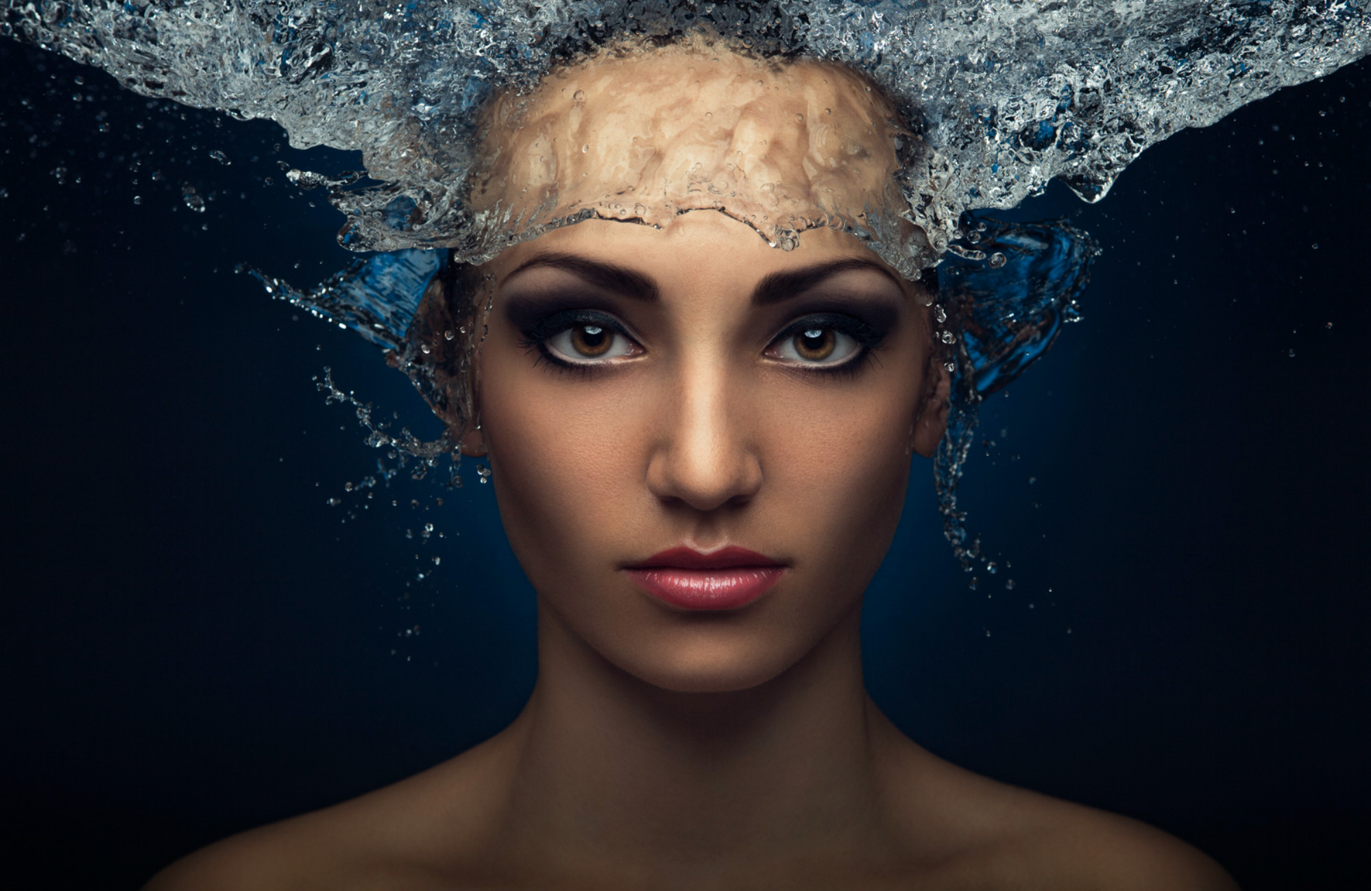 evgeni kolesnik photography surreal portraits ukraine water