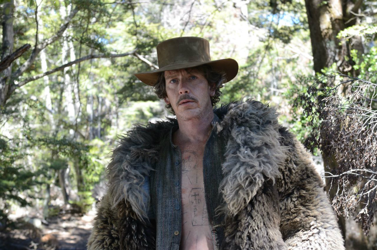 slow west film 2015 horses mben mendelsen