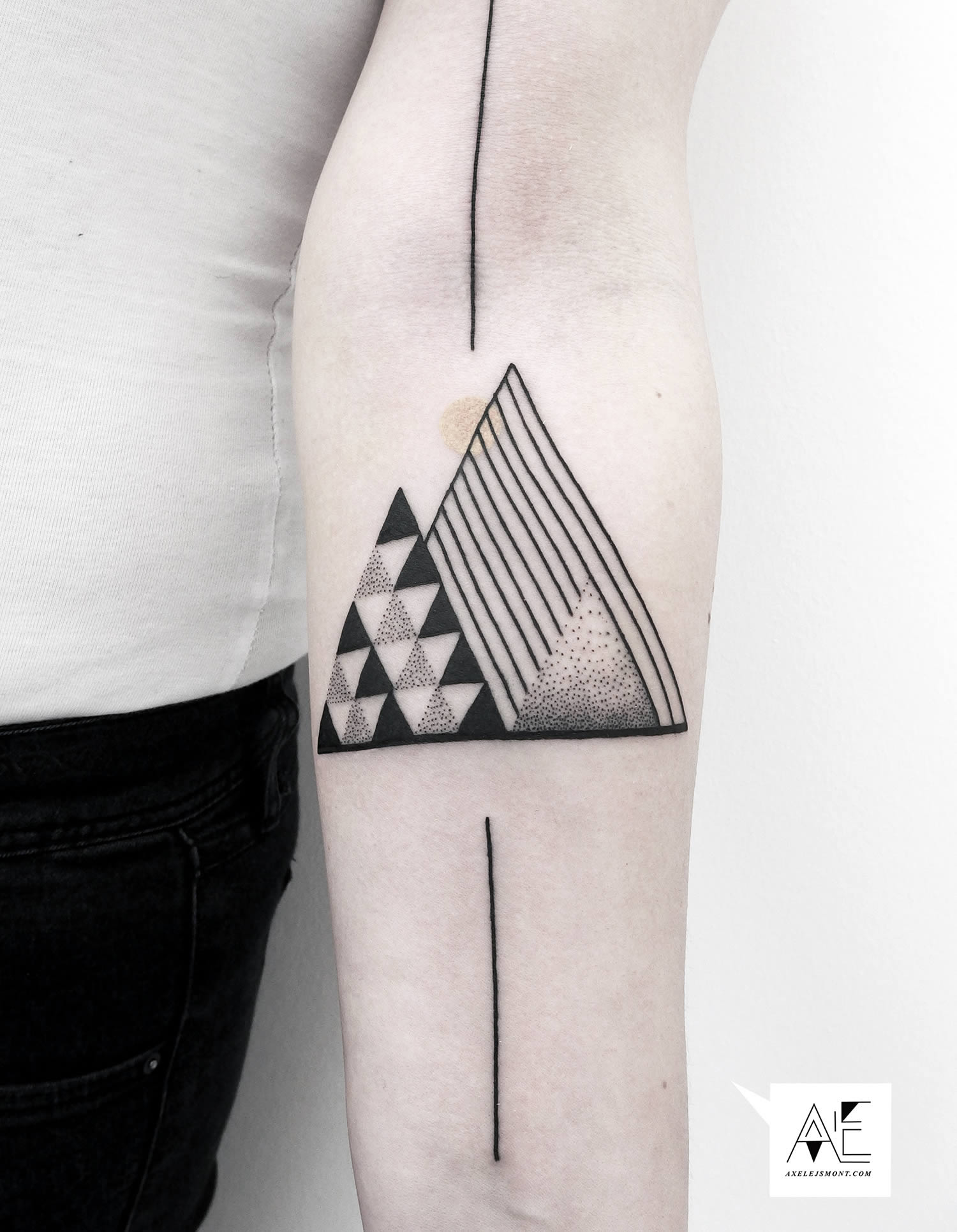 modern triangle tattoo