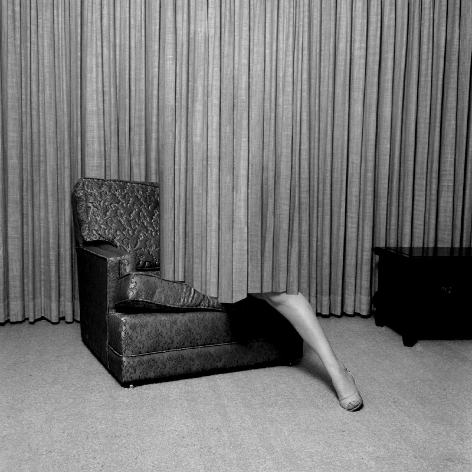 eva stenram photography illusions black white interior leg