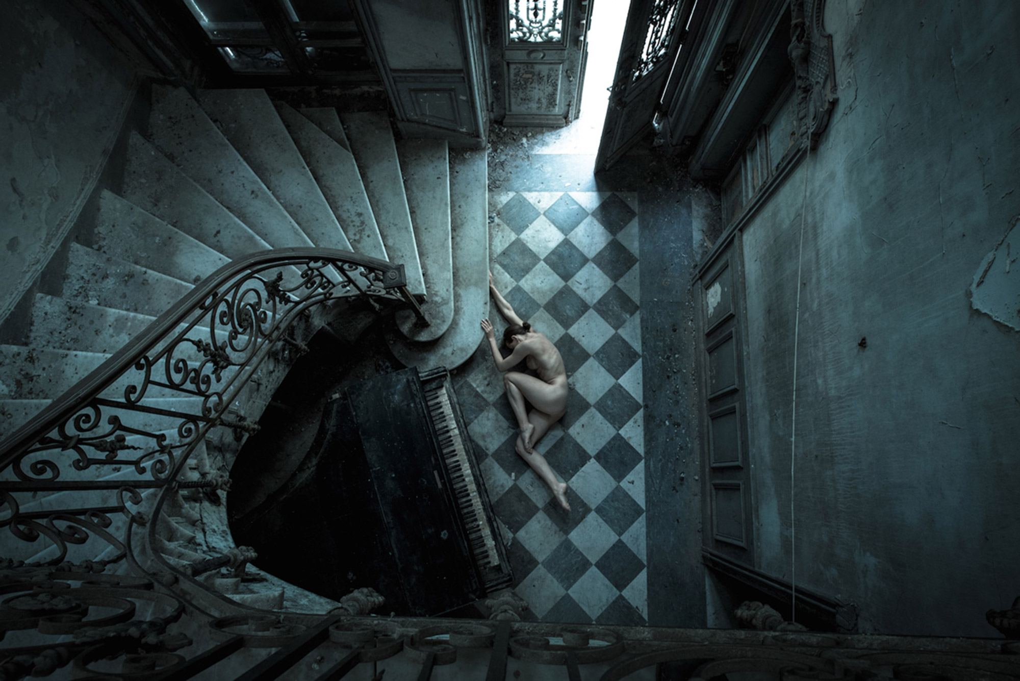 Jeremy Gibbs' Poetic Nude Portraits in Scenes of Ruin