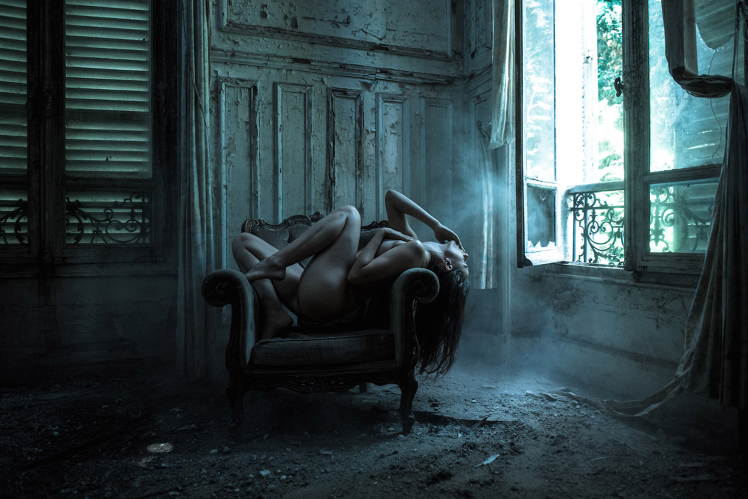 Jeremy Gibbs, Ayla in Decay, nude posing in abandoned building, dark passion