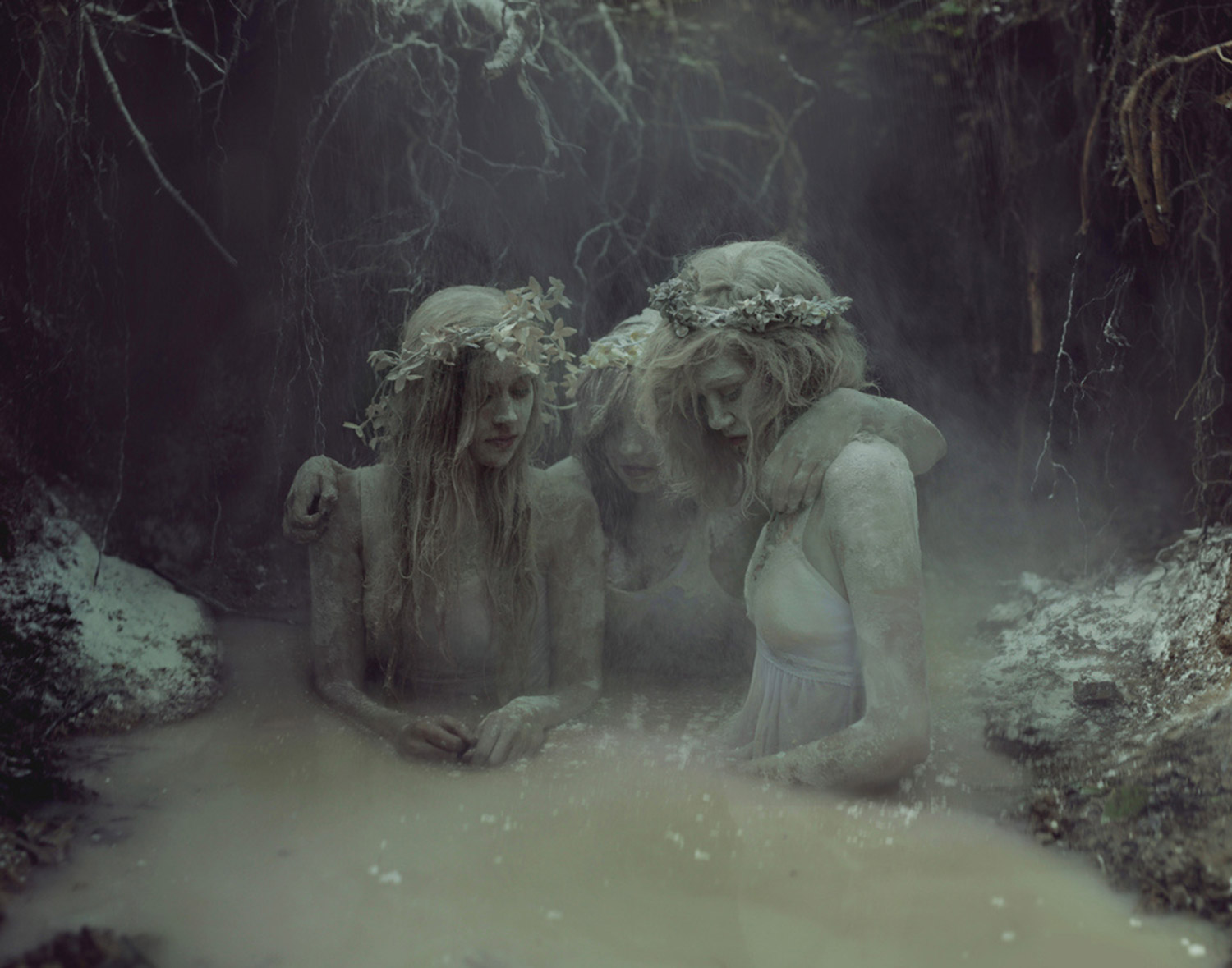 Kyle Thompson, Graveyard Girls, three ghosts, women
