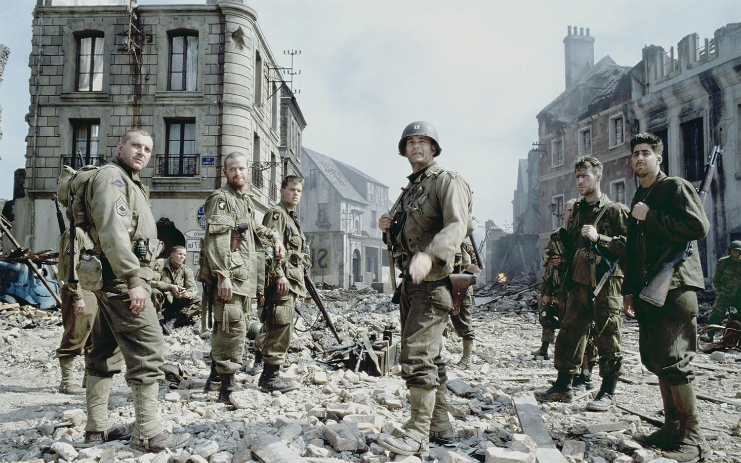 tom hanks and soldiers in Saving Private Ryan