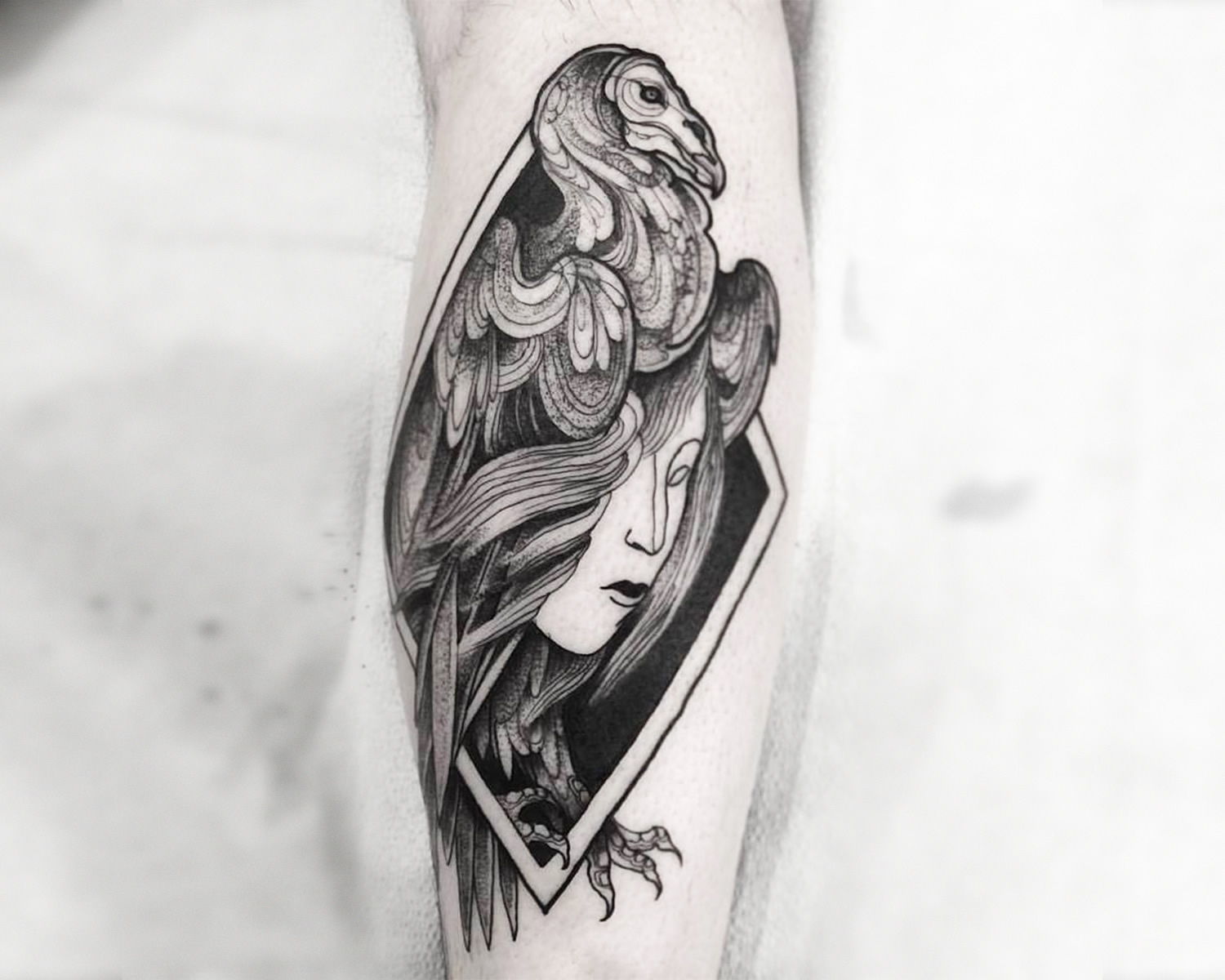 vulture tattoo by nomi chi