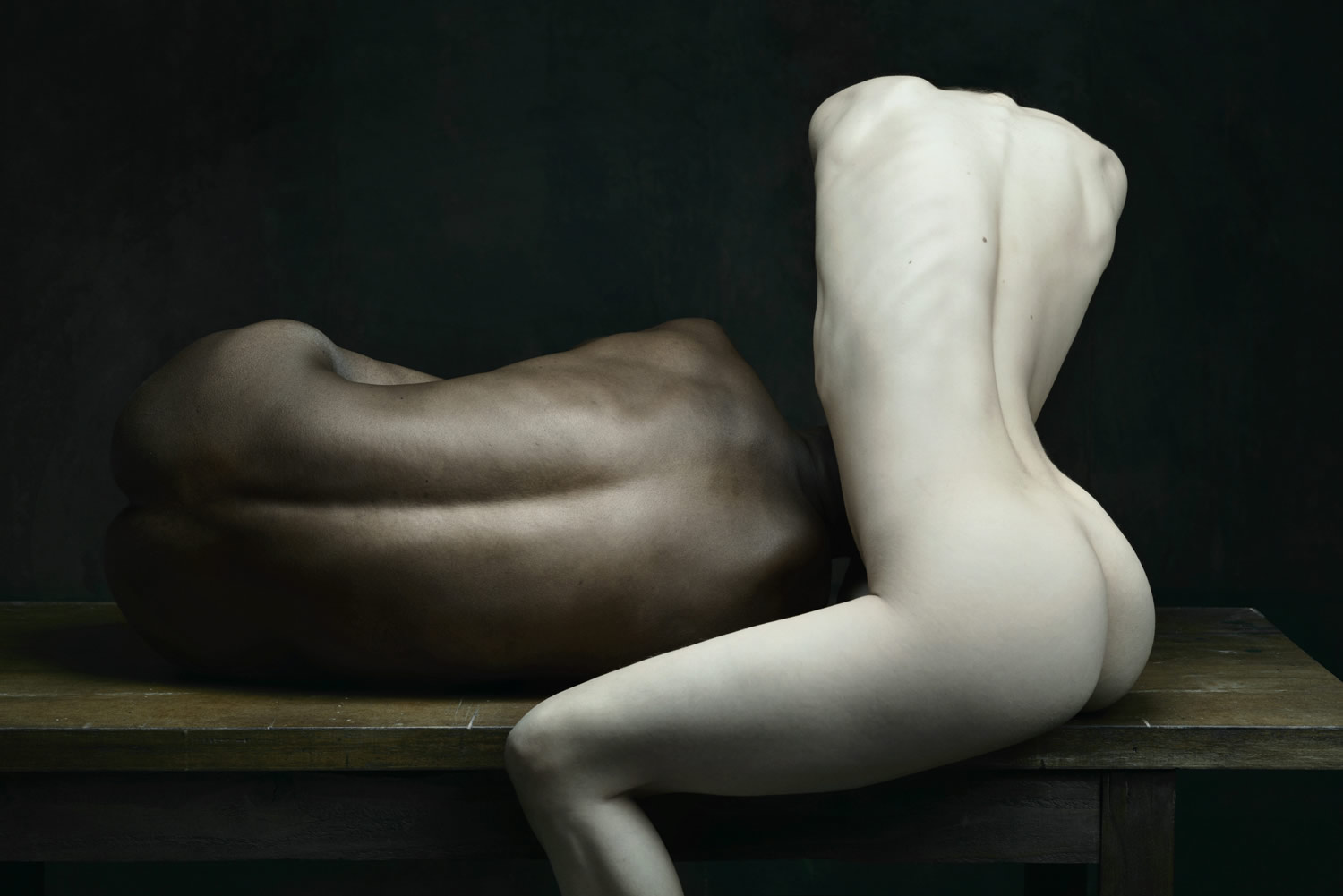 black and white bodies, drifting series, photography by Olivier Valsecchi