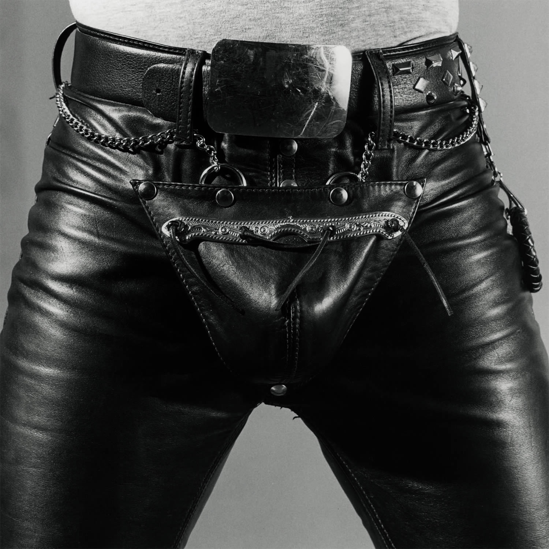 crotch shot, leather pants, bdsm, photo © The Robert Mapplethorpe Foundation, Inc.