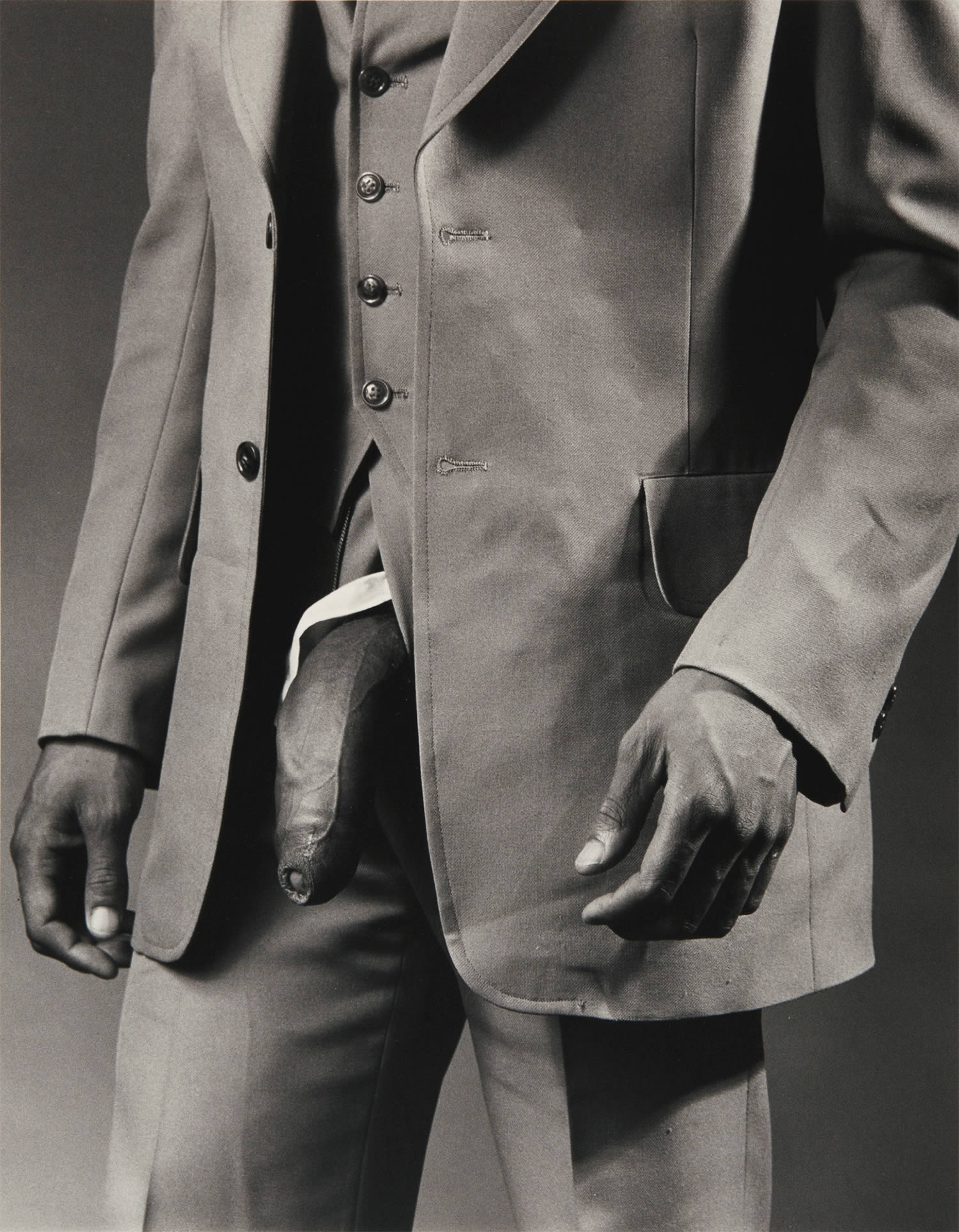 man in suit, © The Robert Mapplethorpe Foundation, Inc.