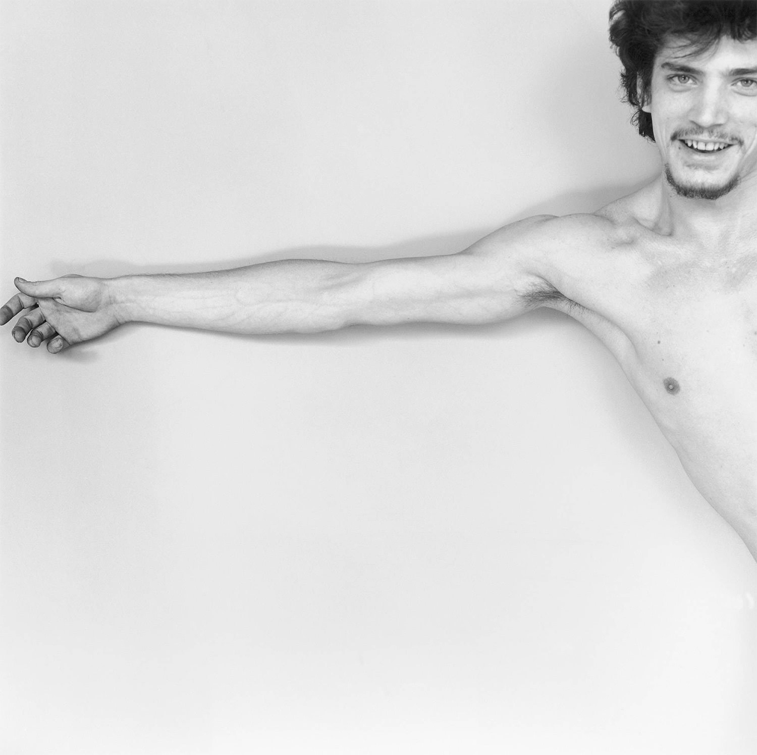 the lonely guy, self-portrait, © The Robert Mapplethorpe Foundation, Inc.