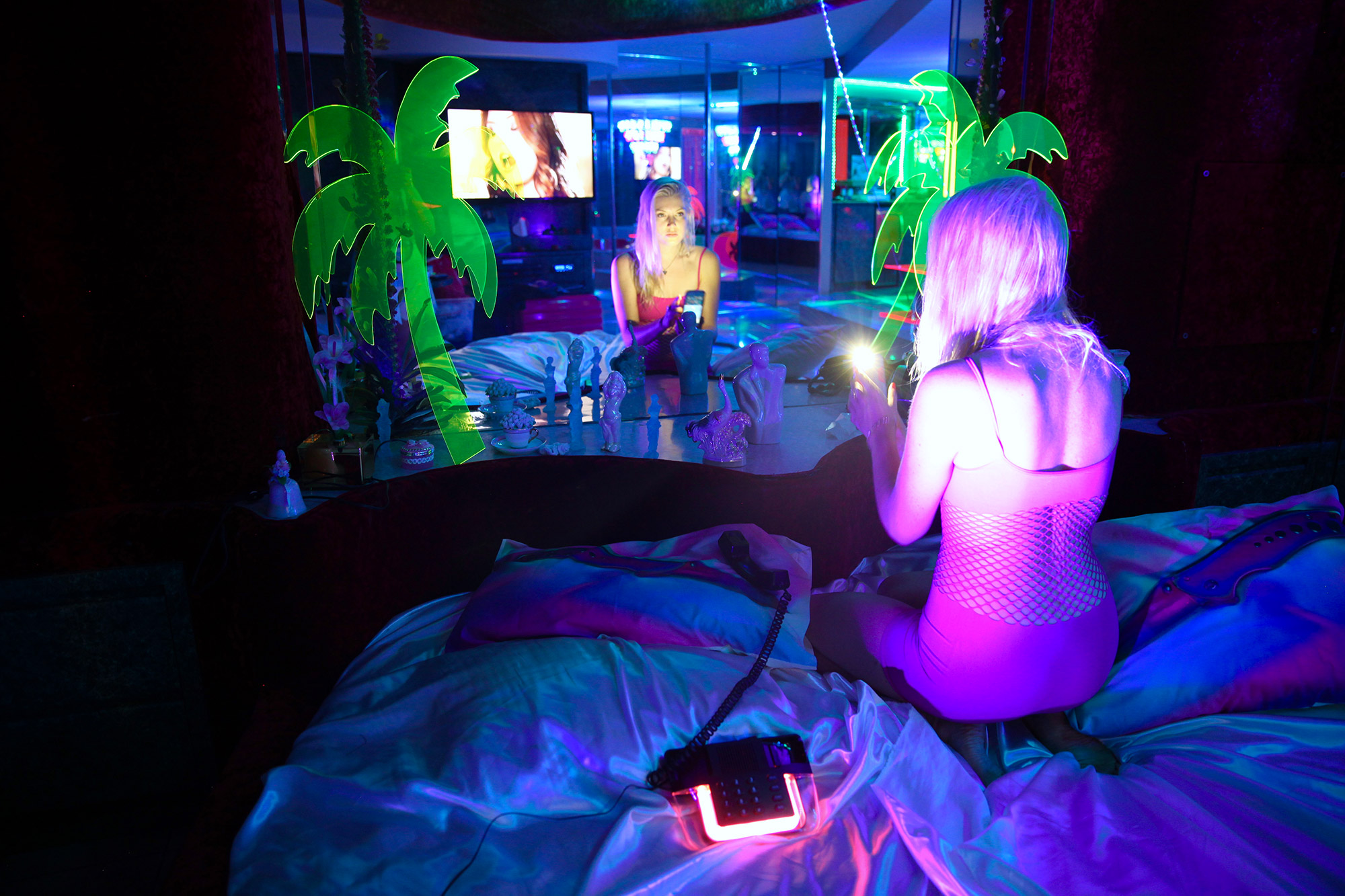 Marina Fini and Signe Pierce, Motelscape - motel bed