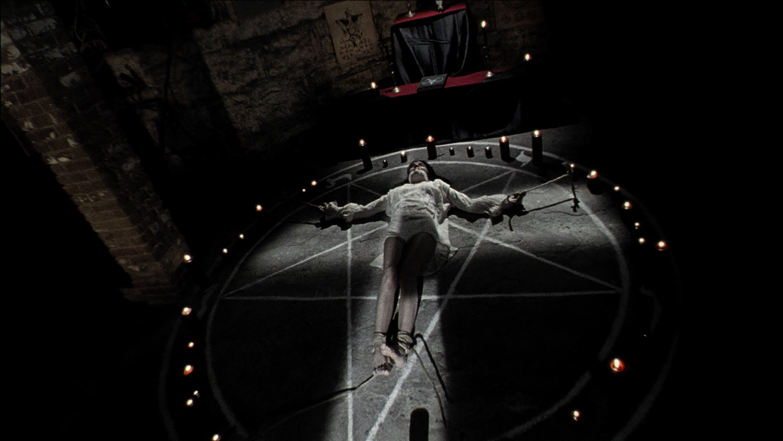 The House of the Devil - ritual scene, Jocelin Donahue