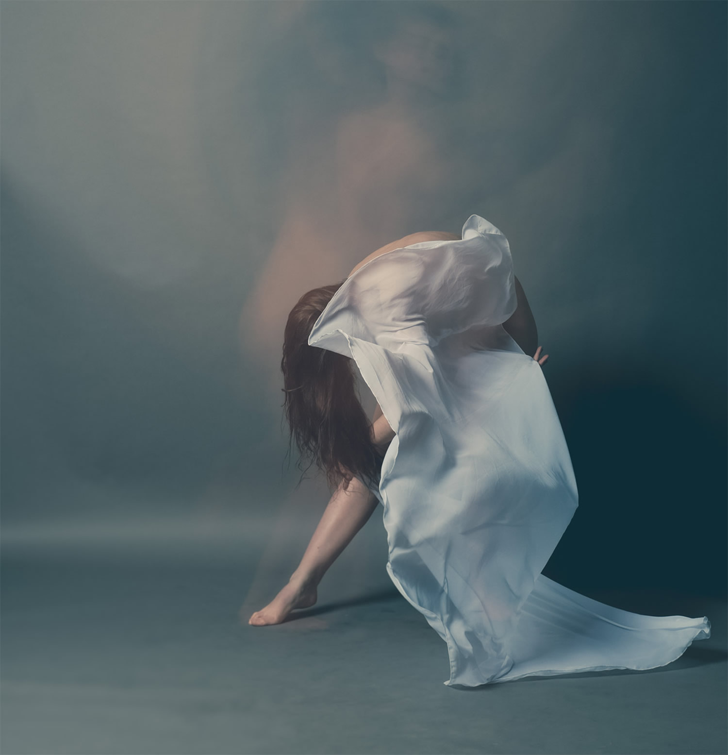 positive motion, white sheets and dancing, by ange studio