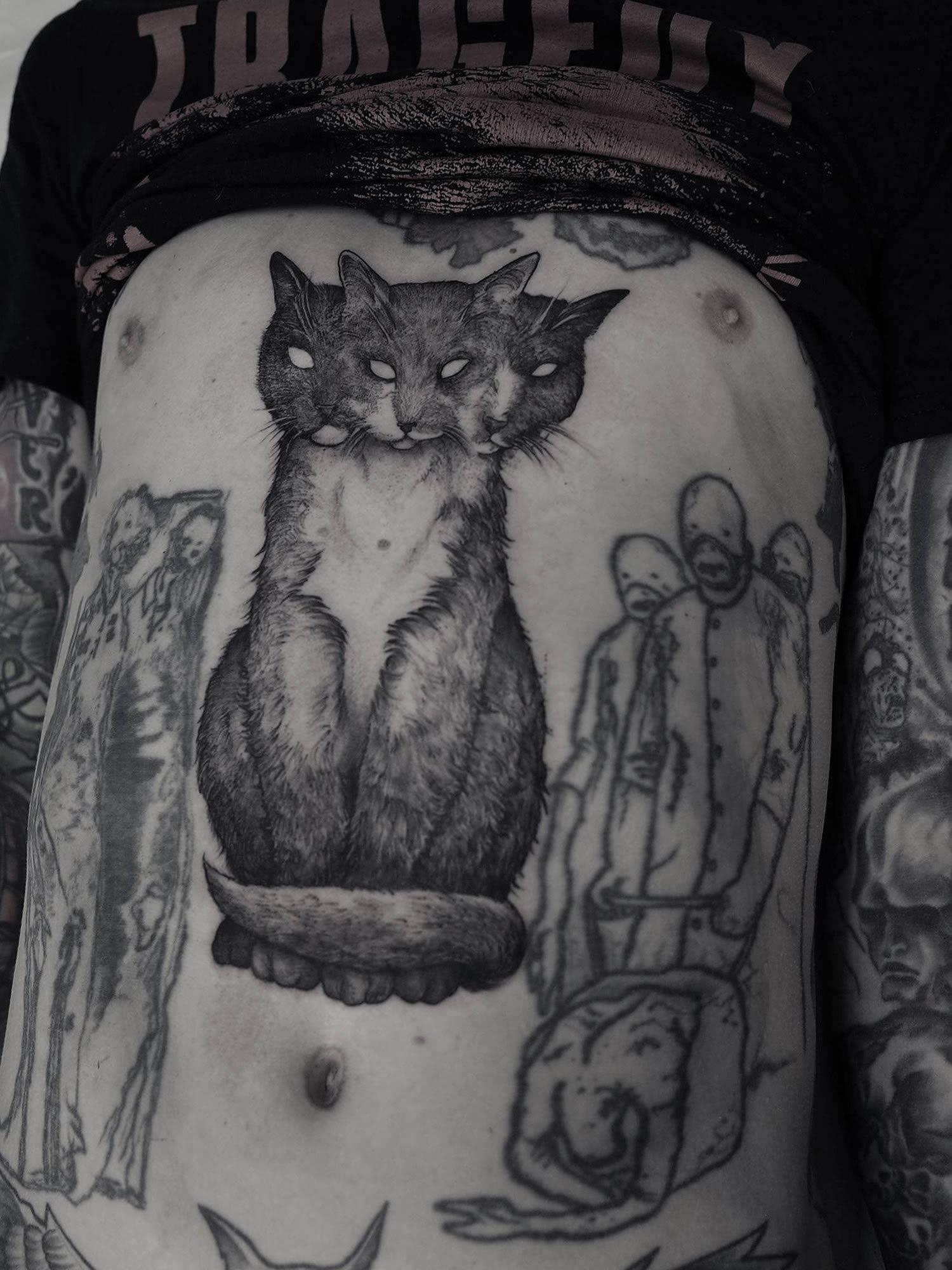 Robert Borbas, Tattoo - eerie cat