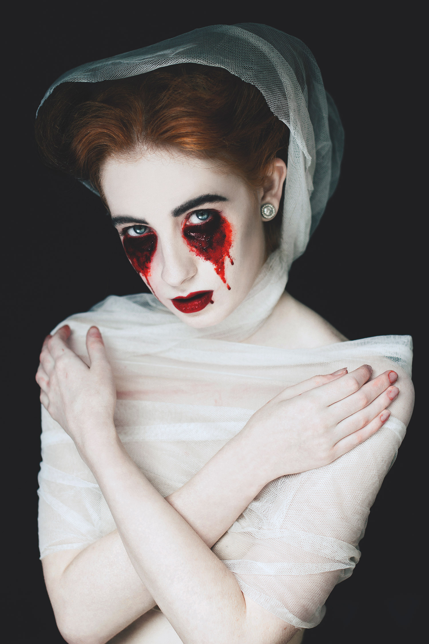 Eliza Kinchington, Danse Macabre - woman with bloody eyes