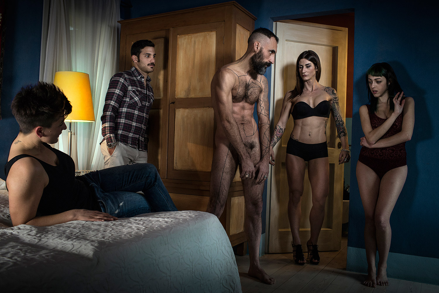 Marco Onofri, Followers - watching man and women stripped down in room