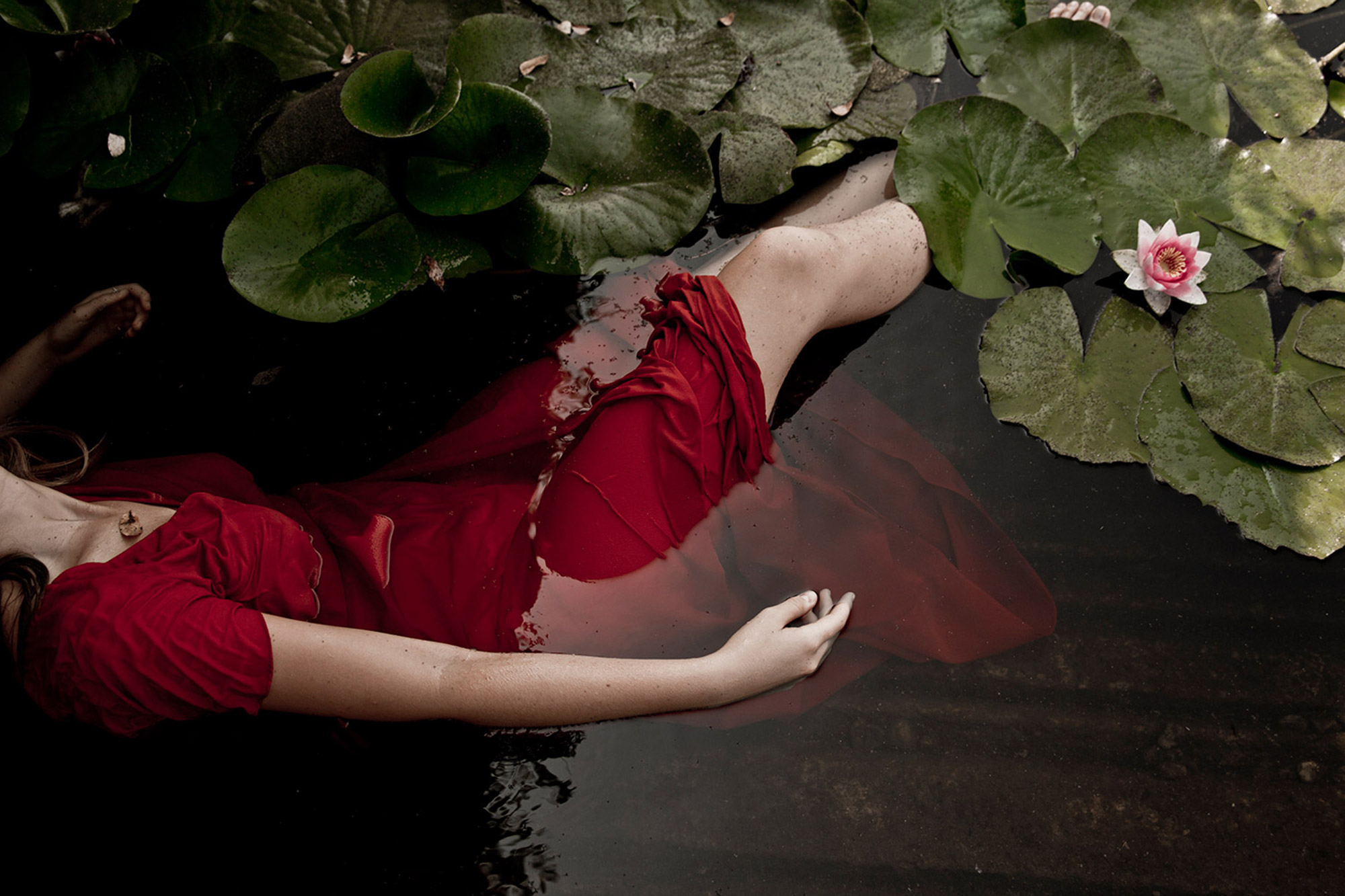 Monia Merlo - lost - red dress cover