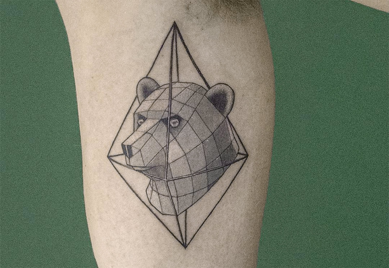 3D bear tattoo by Sven Rayen