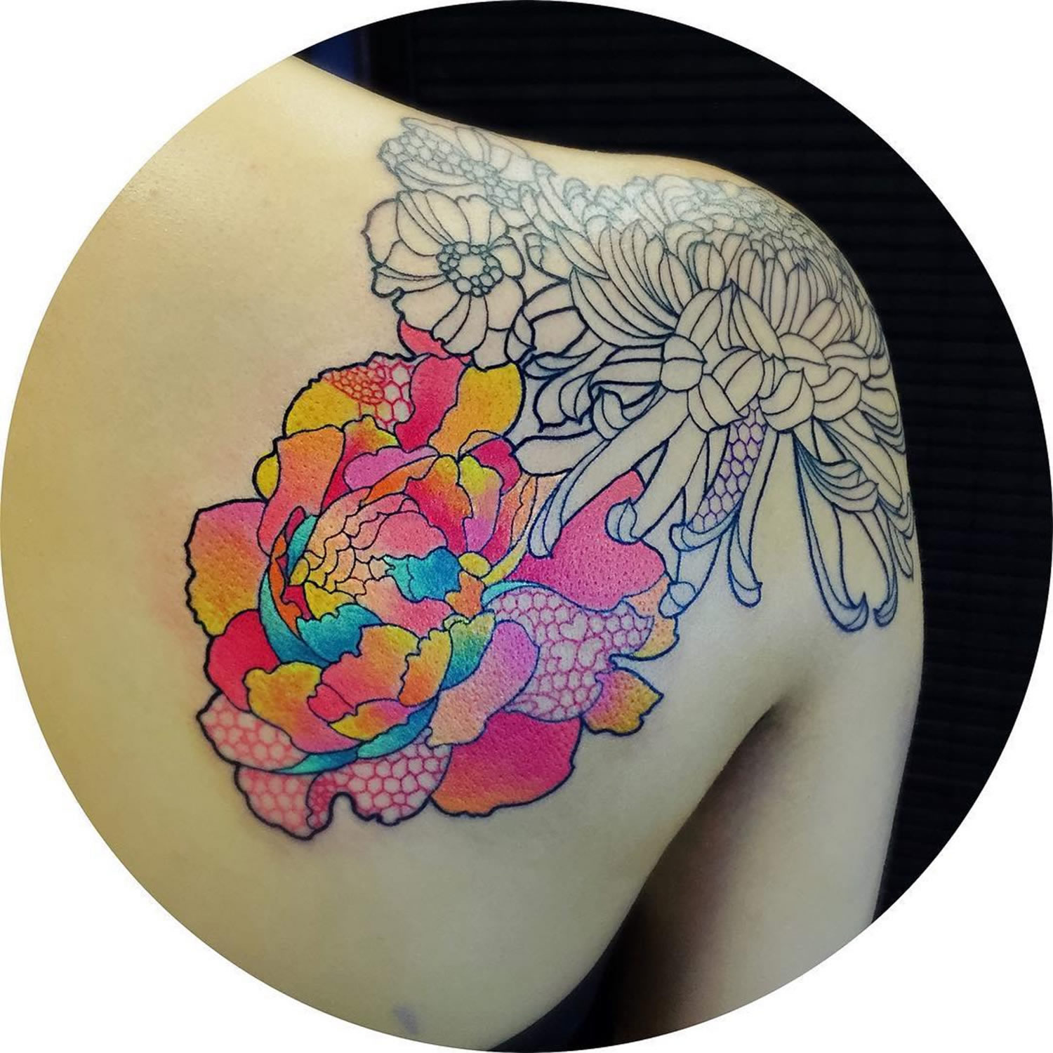 flower tattoo, shoulder