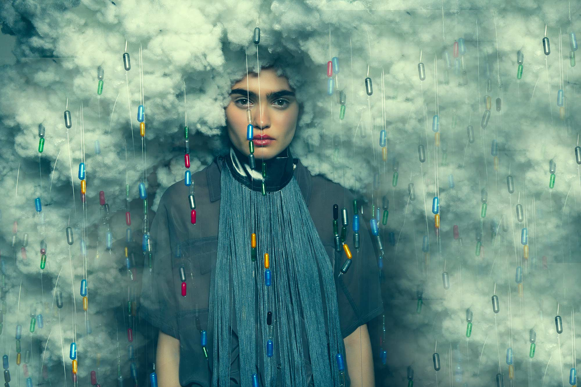 TOMAAS, Modern Addictions - pill clouds landscape cover
