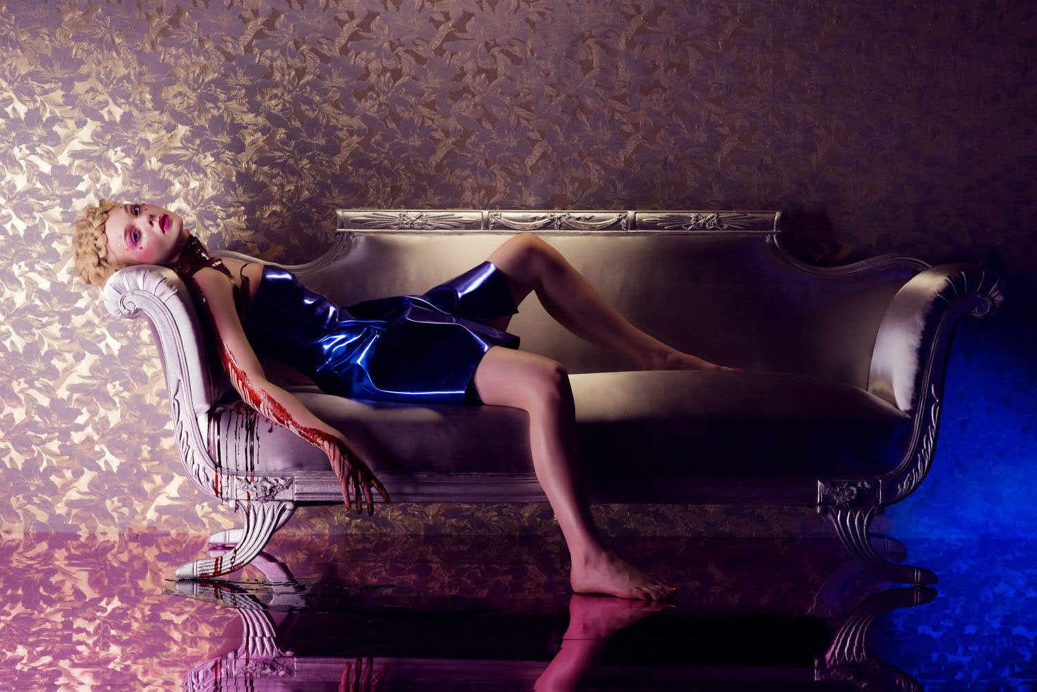 elle fanning laying down, bloody, the neon demon