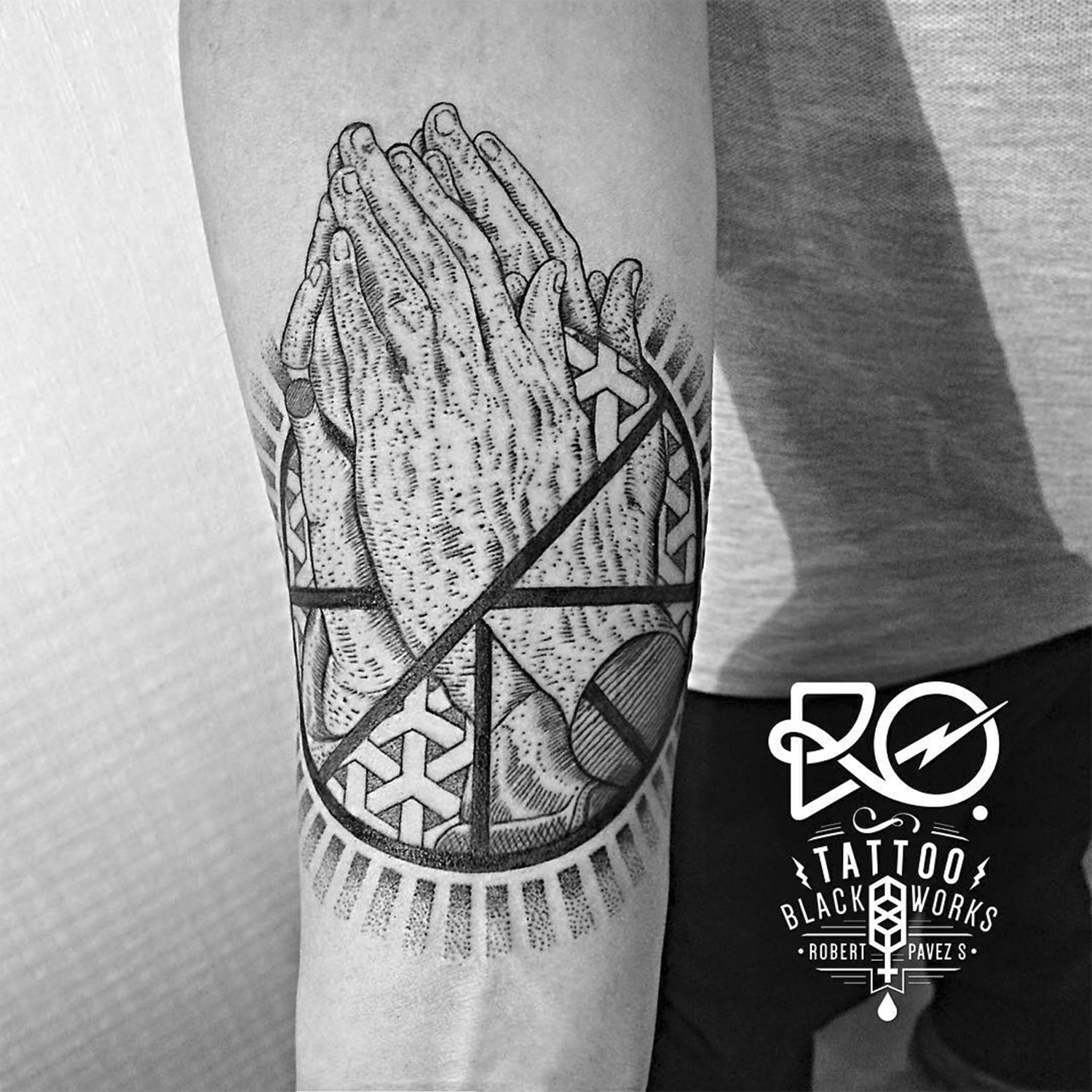 praying hands (inspired by durer) tattoo by robert pavez