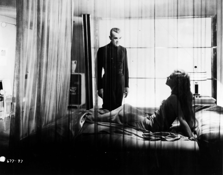 room scene in the Black cat (1934