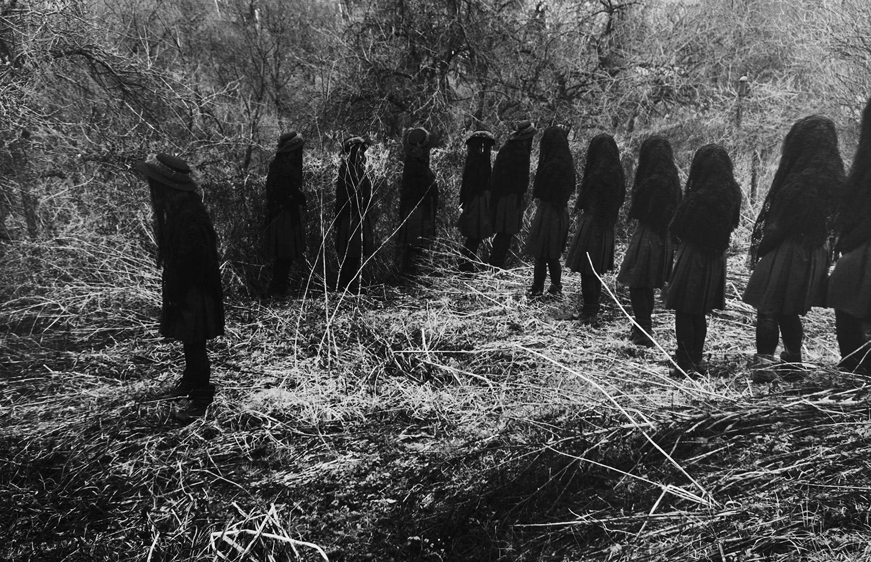 Nynewe, Michaela Knizova, Agast Atera En - black-cloaked line-up