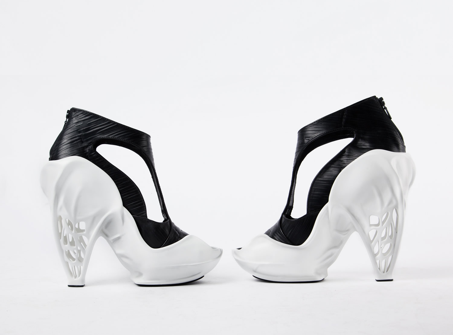 Breaking The 3-D Mould The 3D printed shoes. by Zoe Jia-Yu
