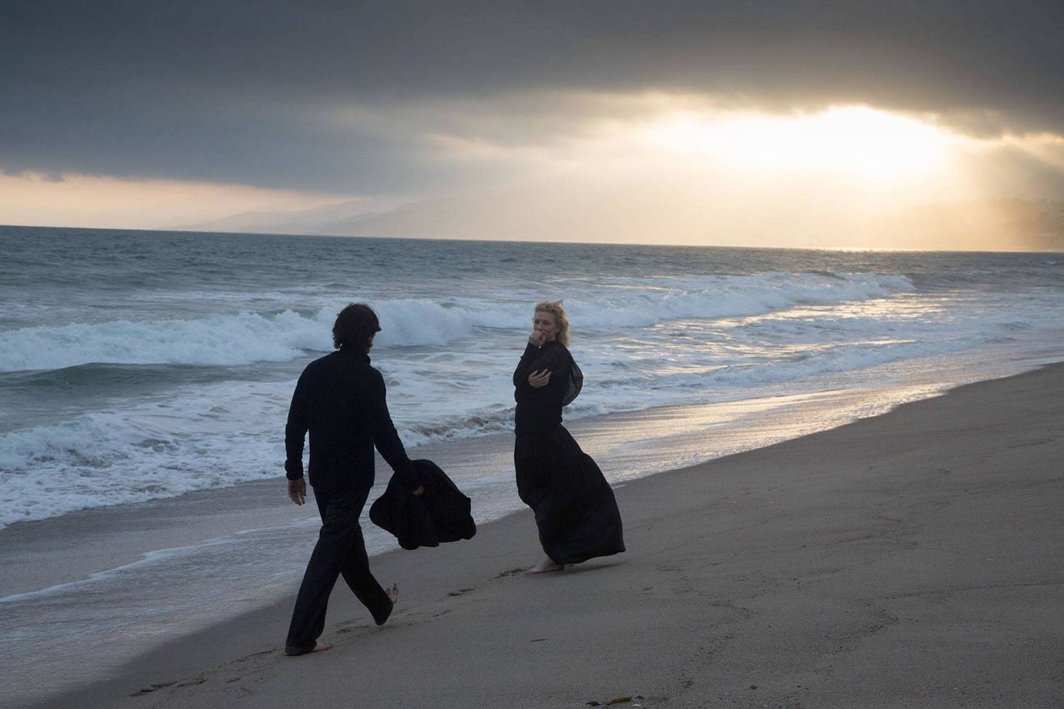 couple on the beach, knights of cups