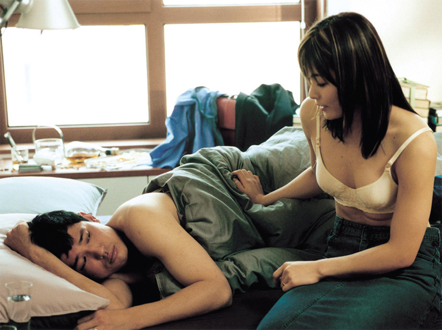 Dark Korean Erotic Films - A Good Lawyer's Wife, unhappy in bed