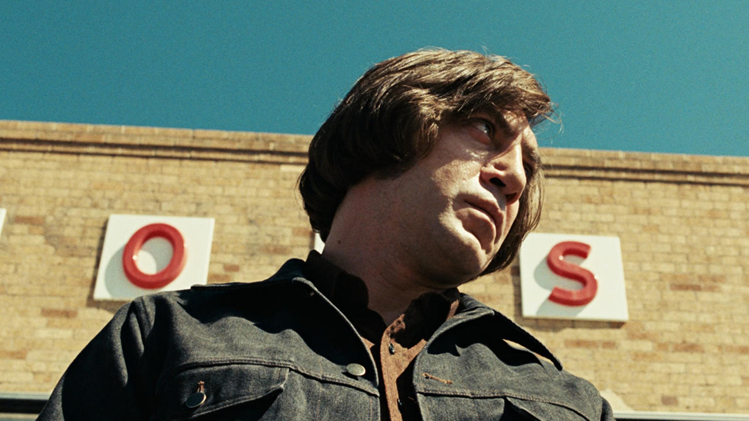 Existential Movies - No Country for Old Men, killer in daylight