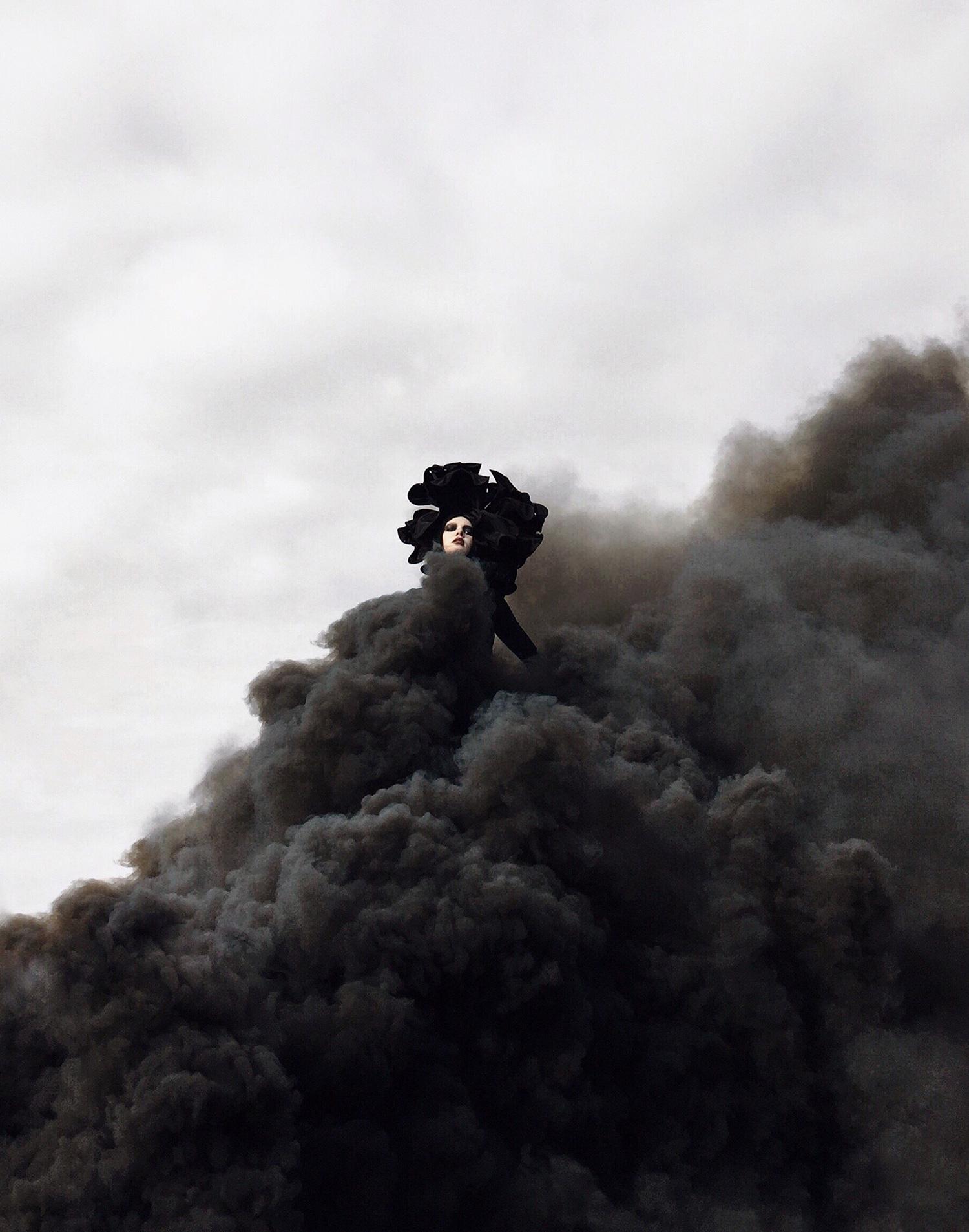 Nona Limmen - smoke