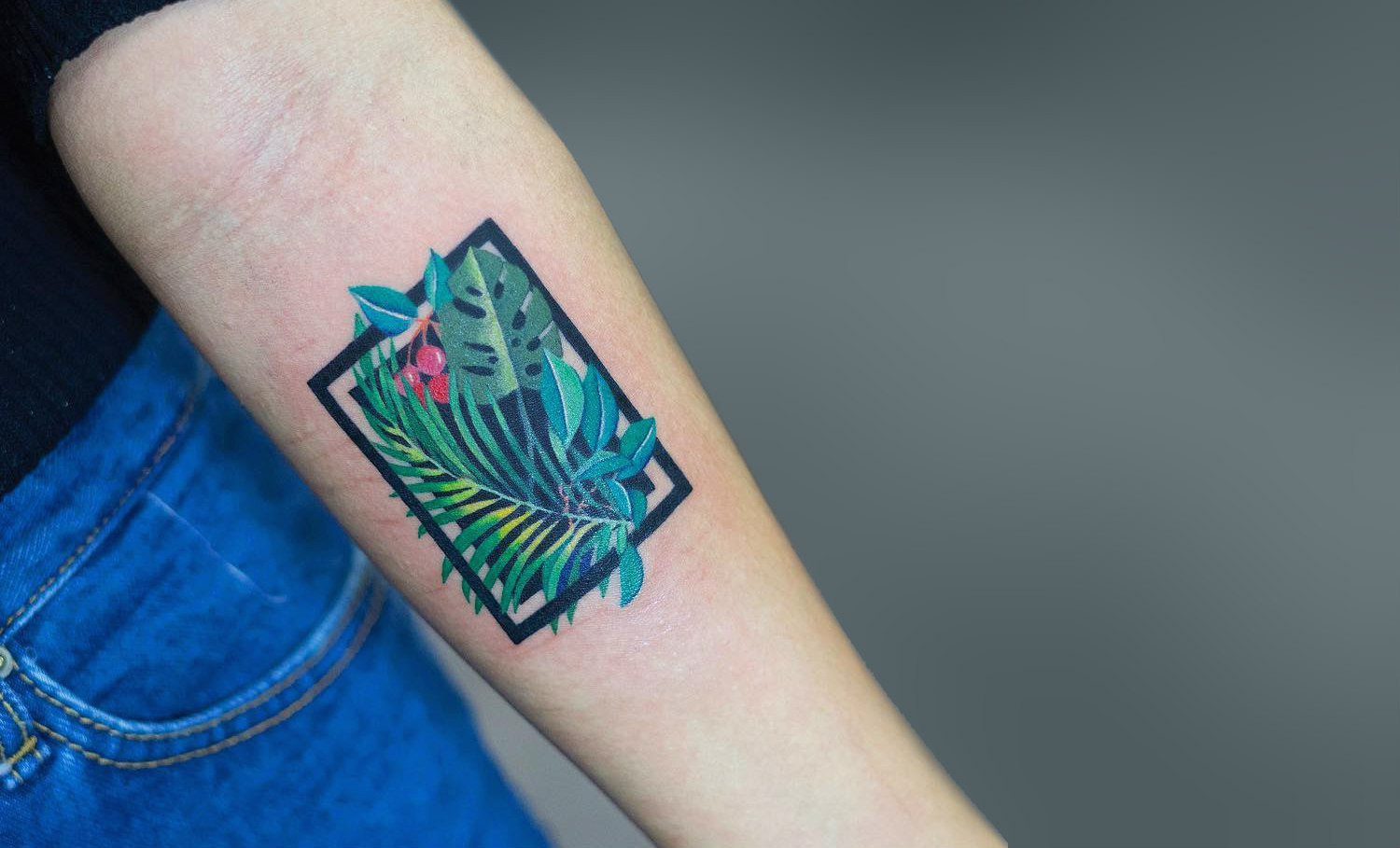 Tropical themed tattoo by Zihee