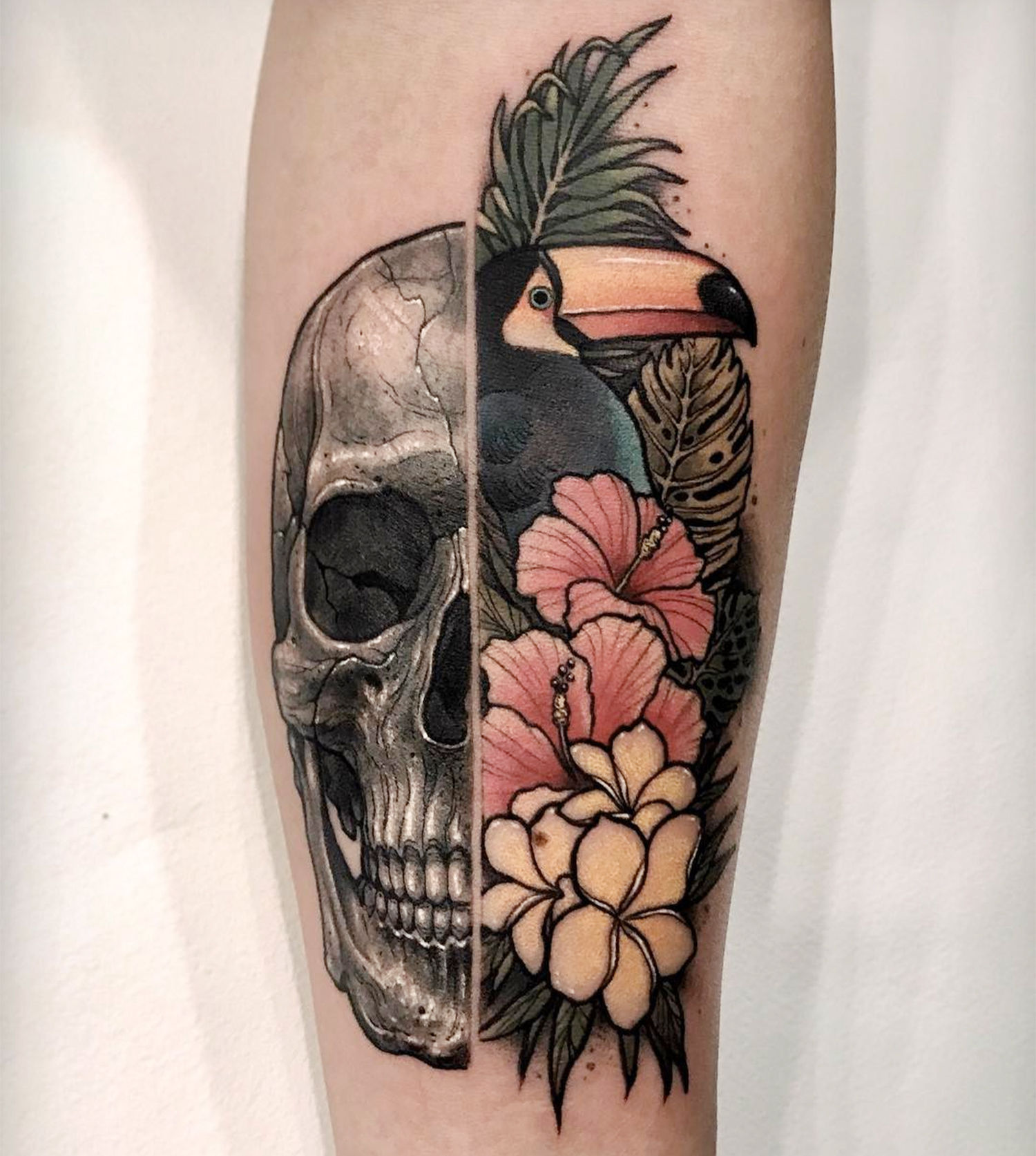 Skull/Tropical tattoo by Varo Tattooer