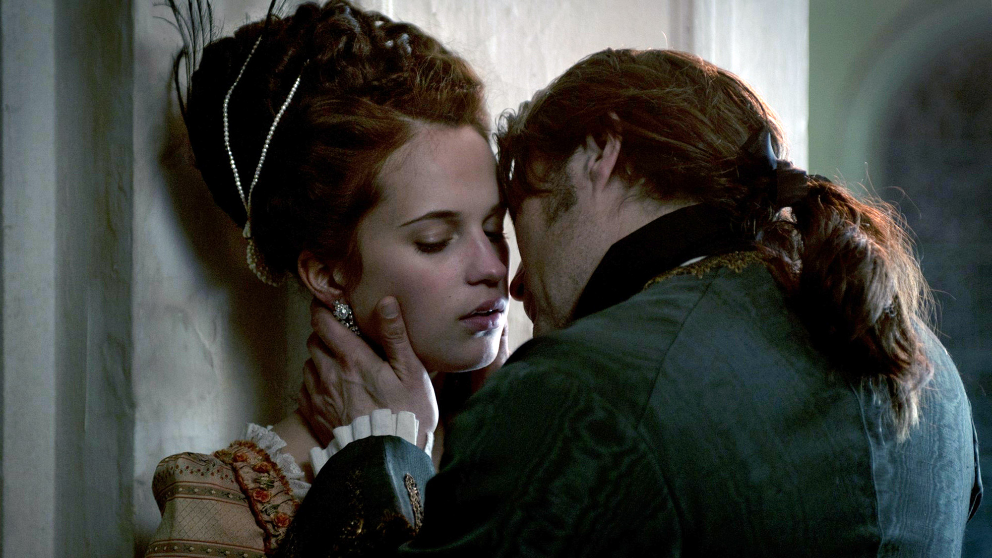 Erotic Foreign Films - A Royal Affair, kiss