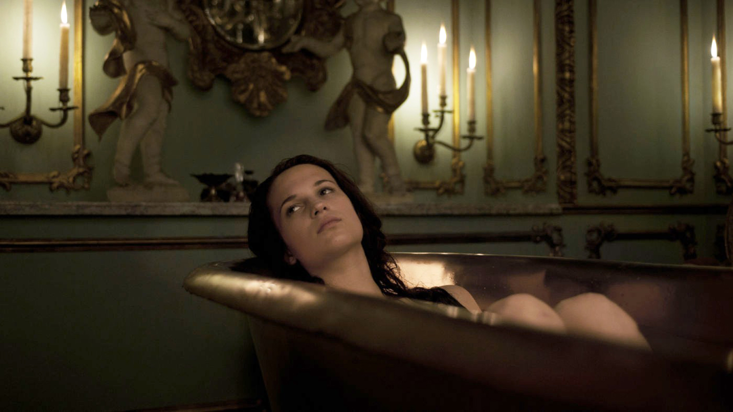 Erotic Foreign Films - A Royal Affair, in the bathtub