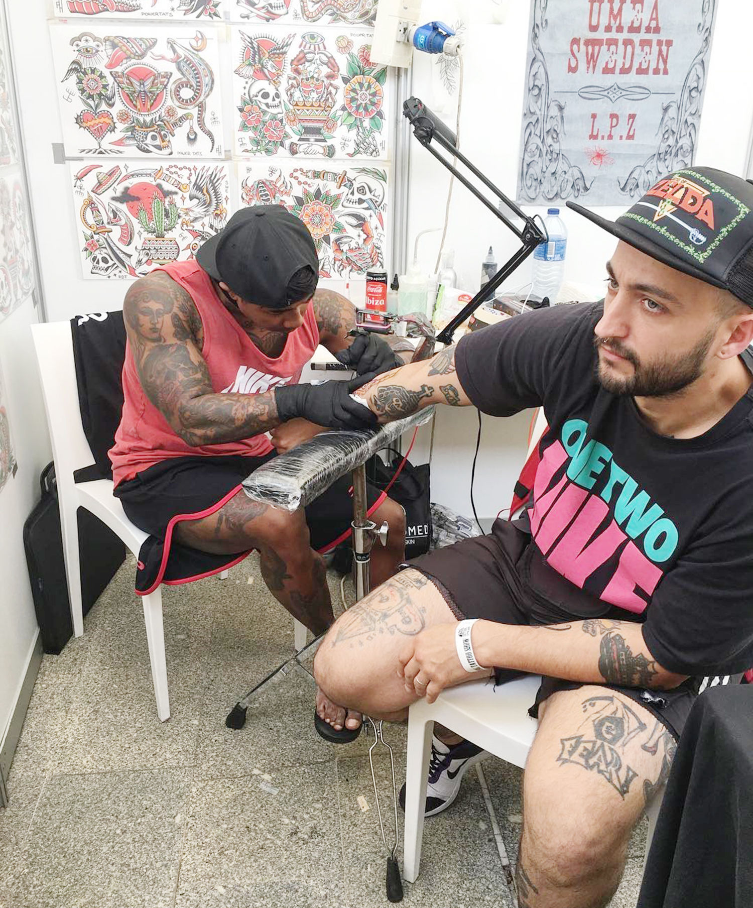 Tattooing client at Setubal tattoo show