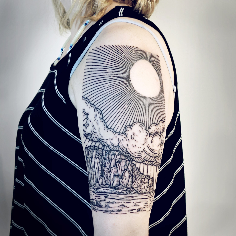 Lisa Orth, tattoo - Shayna, morro rock