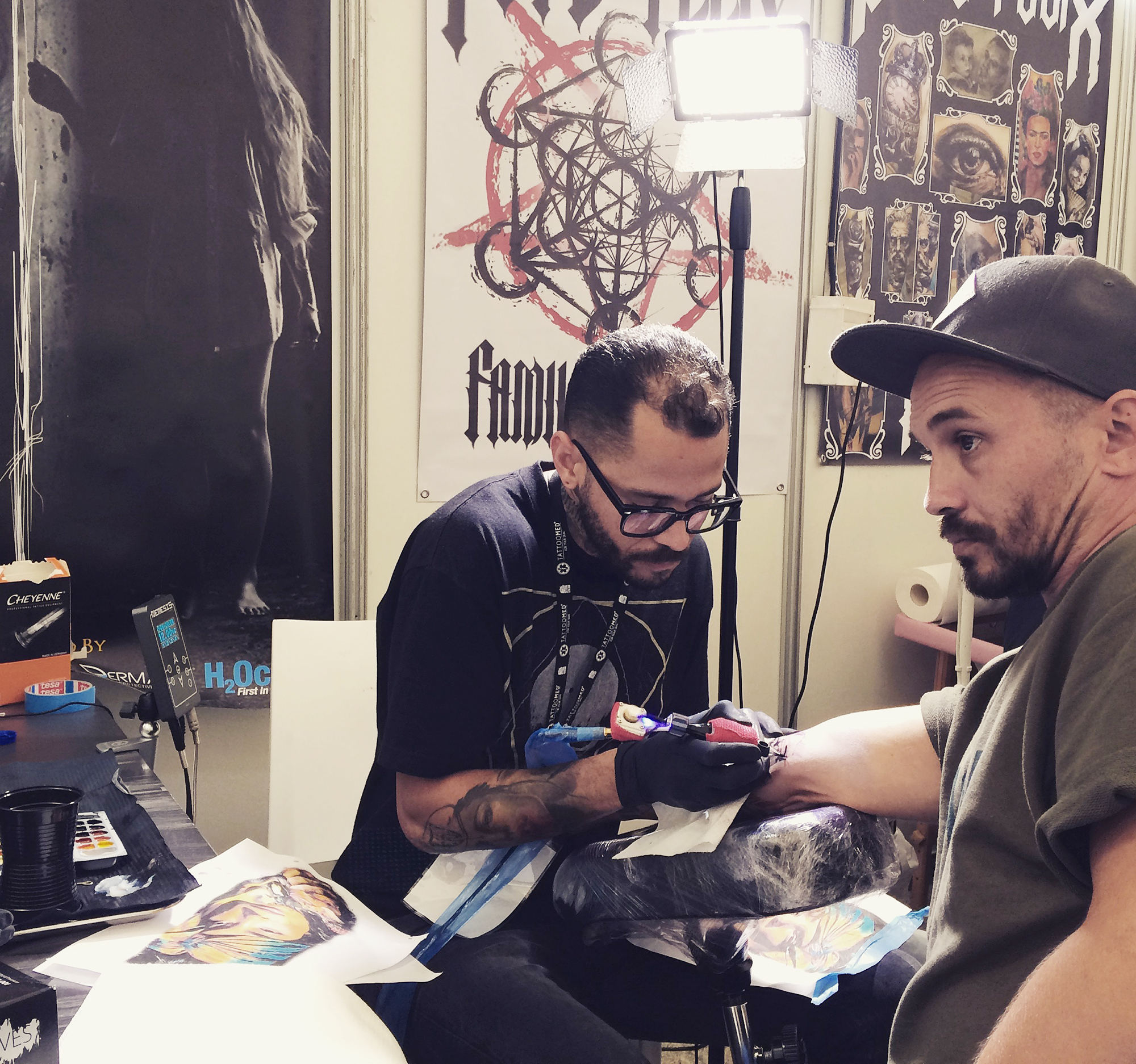 Mauro Amaral tattoo client's arm at Setubal tattoo convention