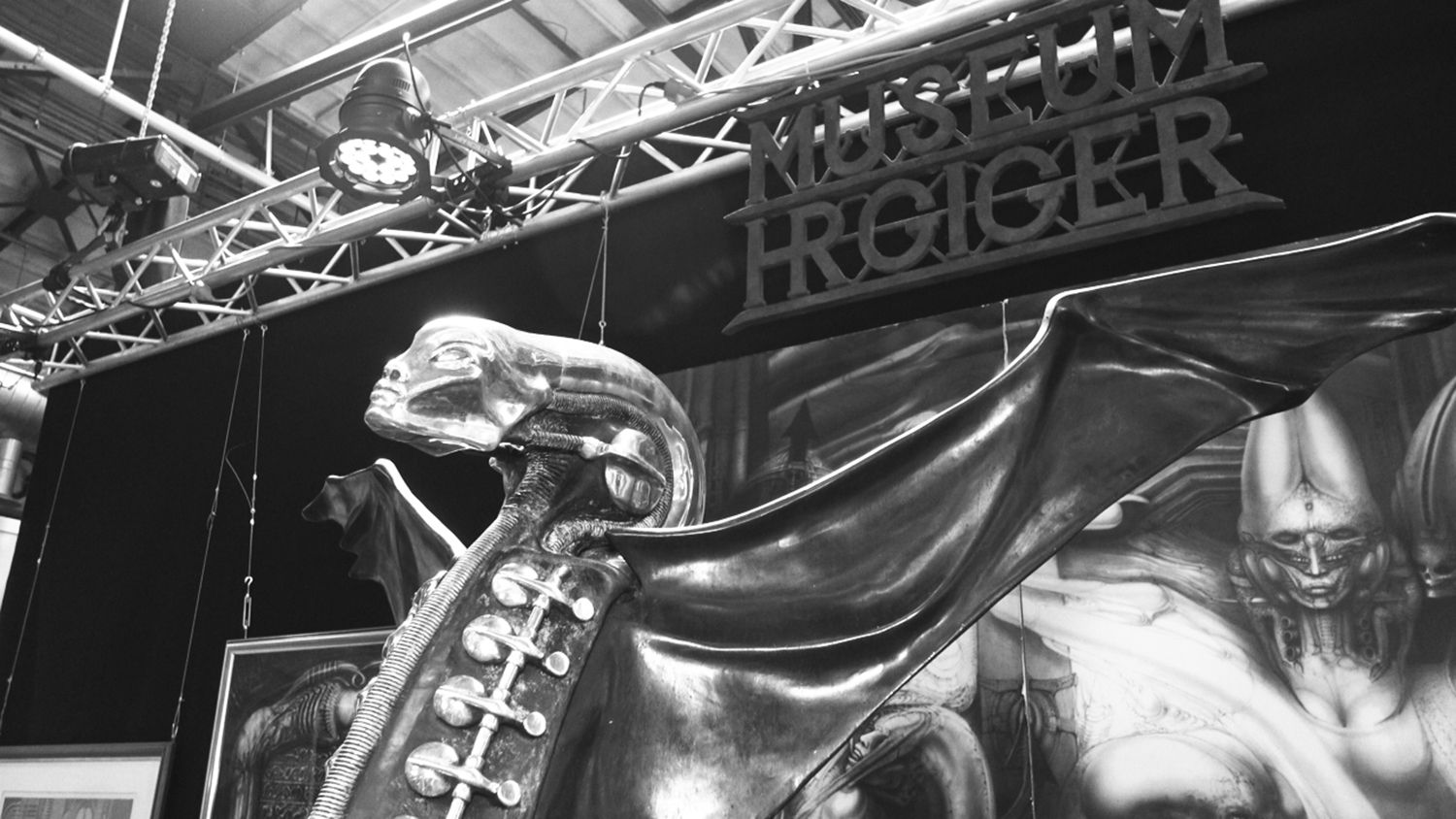 necronomicon sculpture, hr giger museum berlin tattoo convention