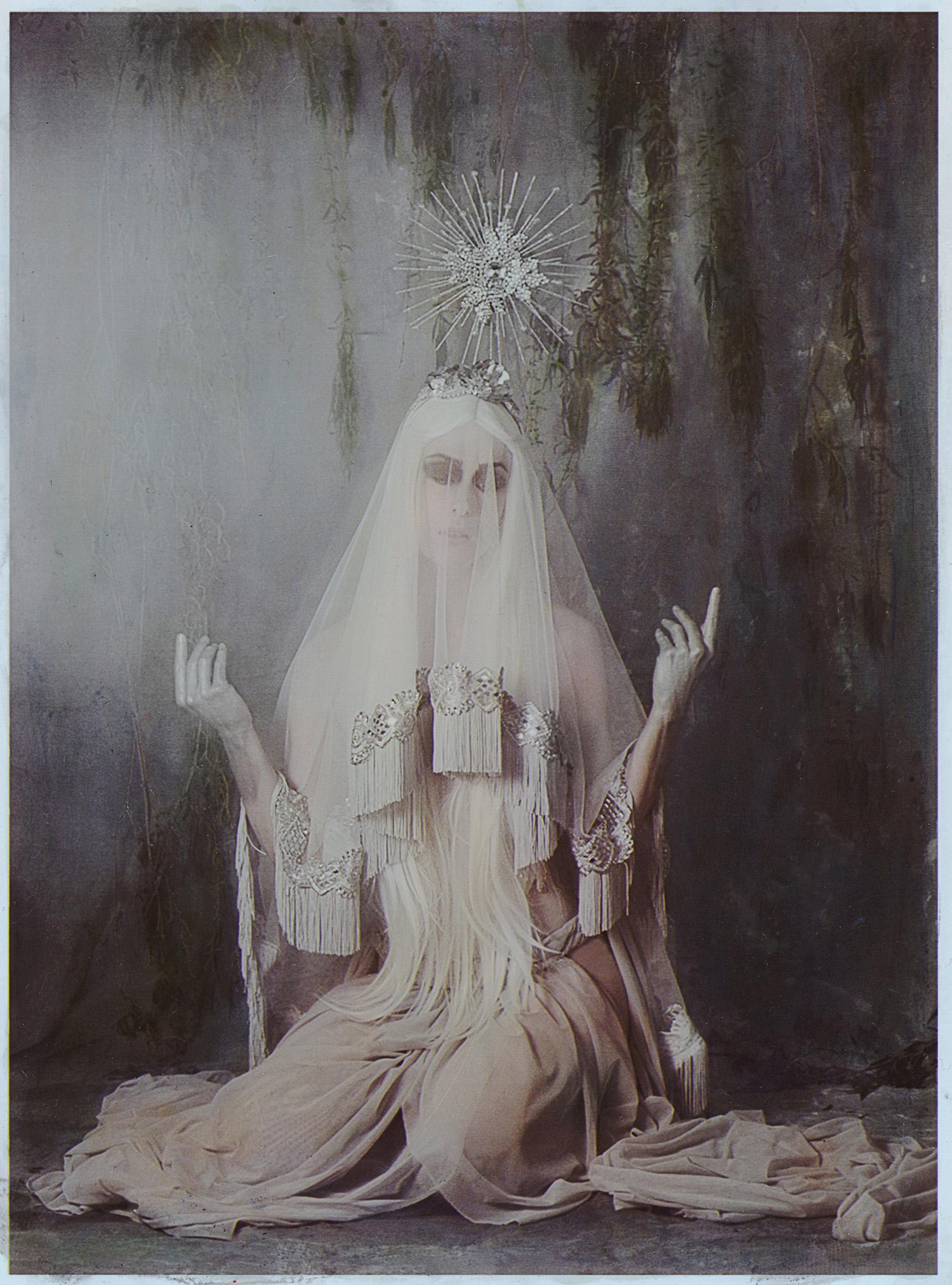 Katie Eleanor - The Oracle of Delphi, elegant woman 2
