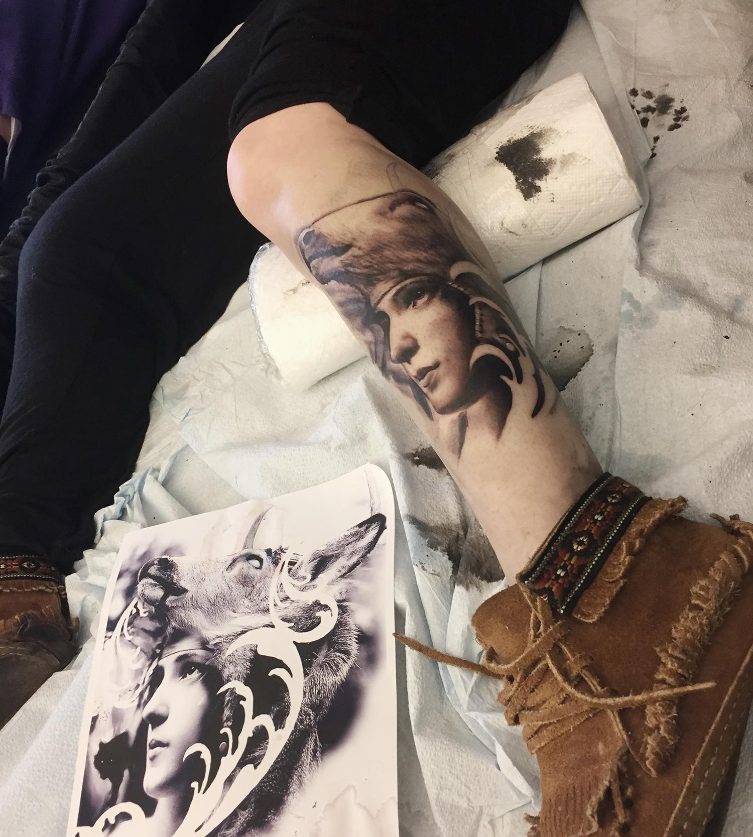 leg tattoo, sheep head and girl portrait, david gluck, tattoo conventions