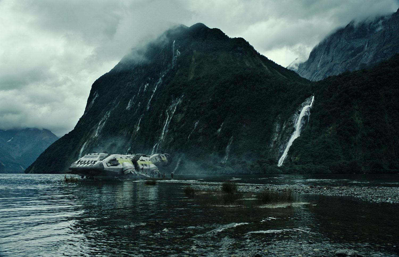 spaceship crash, mountain and sea